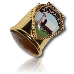 Custom & Collectable {11mm Hgt.x 17mm Dia} 1 Single, Mid-Size Sewing Thimble Made of Fine-Grade Metal w/ Nebraska Wagon Train Carriage Caravan Coach Buggy Cart Windmill [Gold, White, Green & Brown]